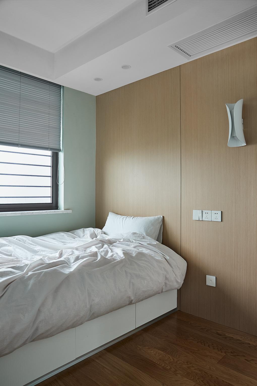 简约三居室装修床头背景墙设计