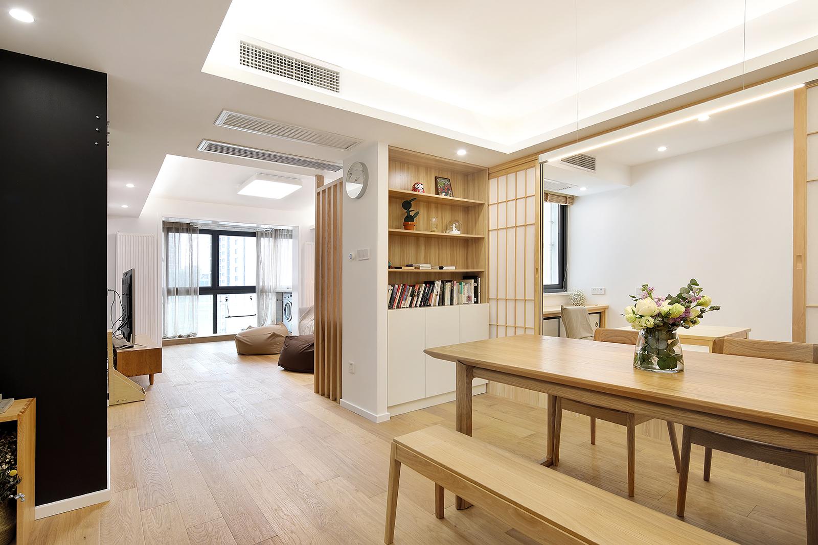 二居室简约日式家餐厅多功能橱柜设计