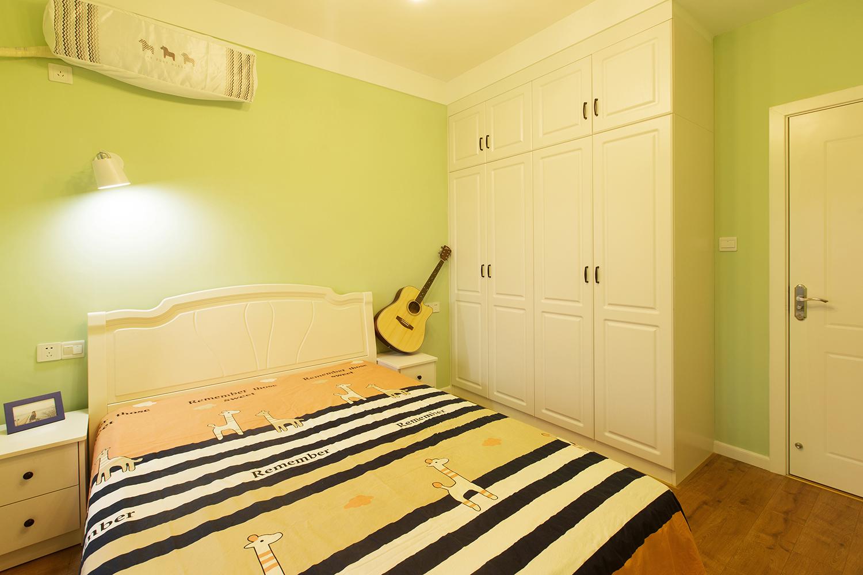 北欧二居装修衣柜图片