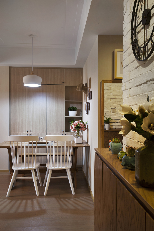 90㎡三居室装修餐边柜图片