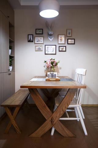 90㎡三居室装修餐厅背景墙图片
