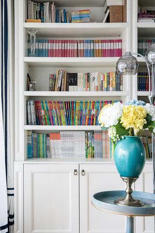 大户型美式之家书柜局部图片