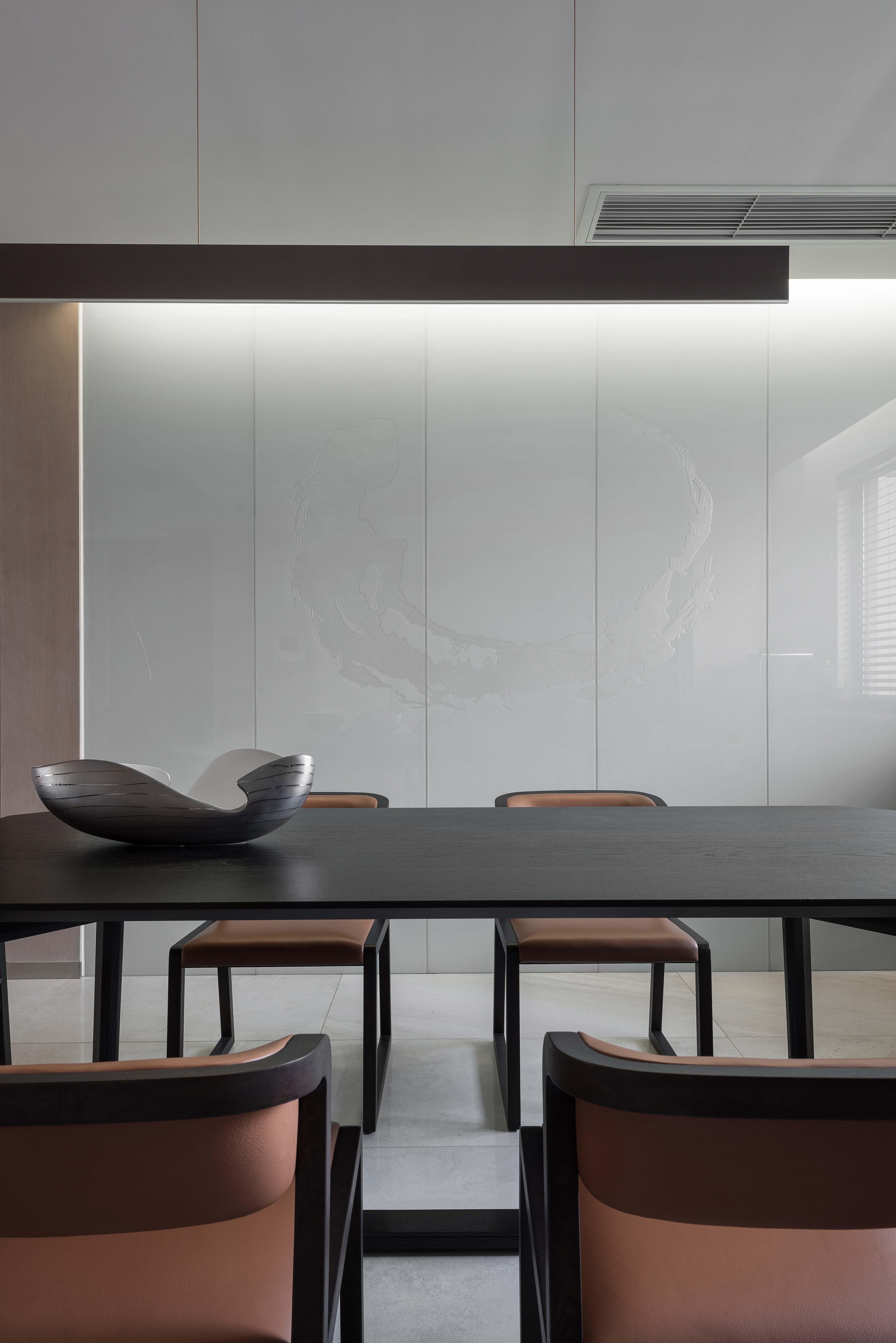 180㎡现代风格装修餐桌图片