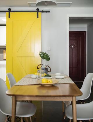 北欧三居室装修餐桌图片