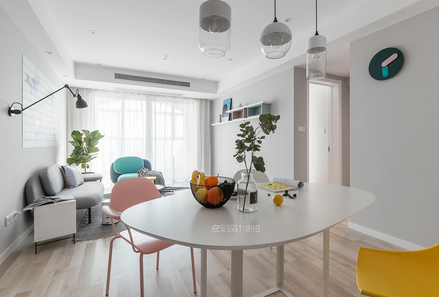 90平北欧风之家餐桌图片
