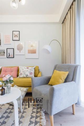 北欧风格二居室装修沙发椅设计