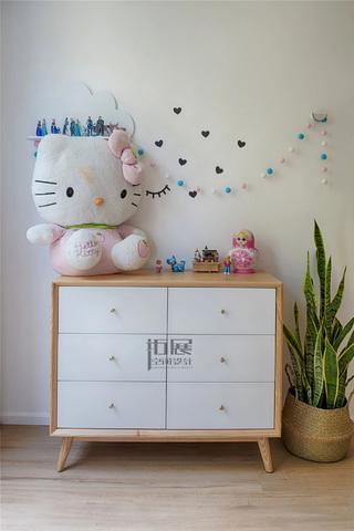 日式风格三居室装修边柜设计