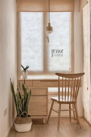 日式风格三居室装修书桌椅设计