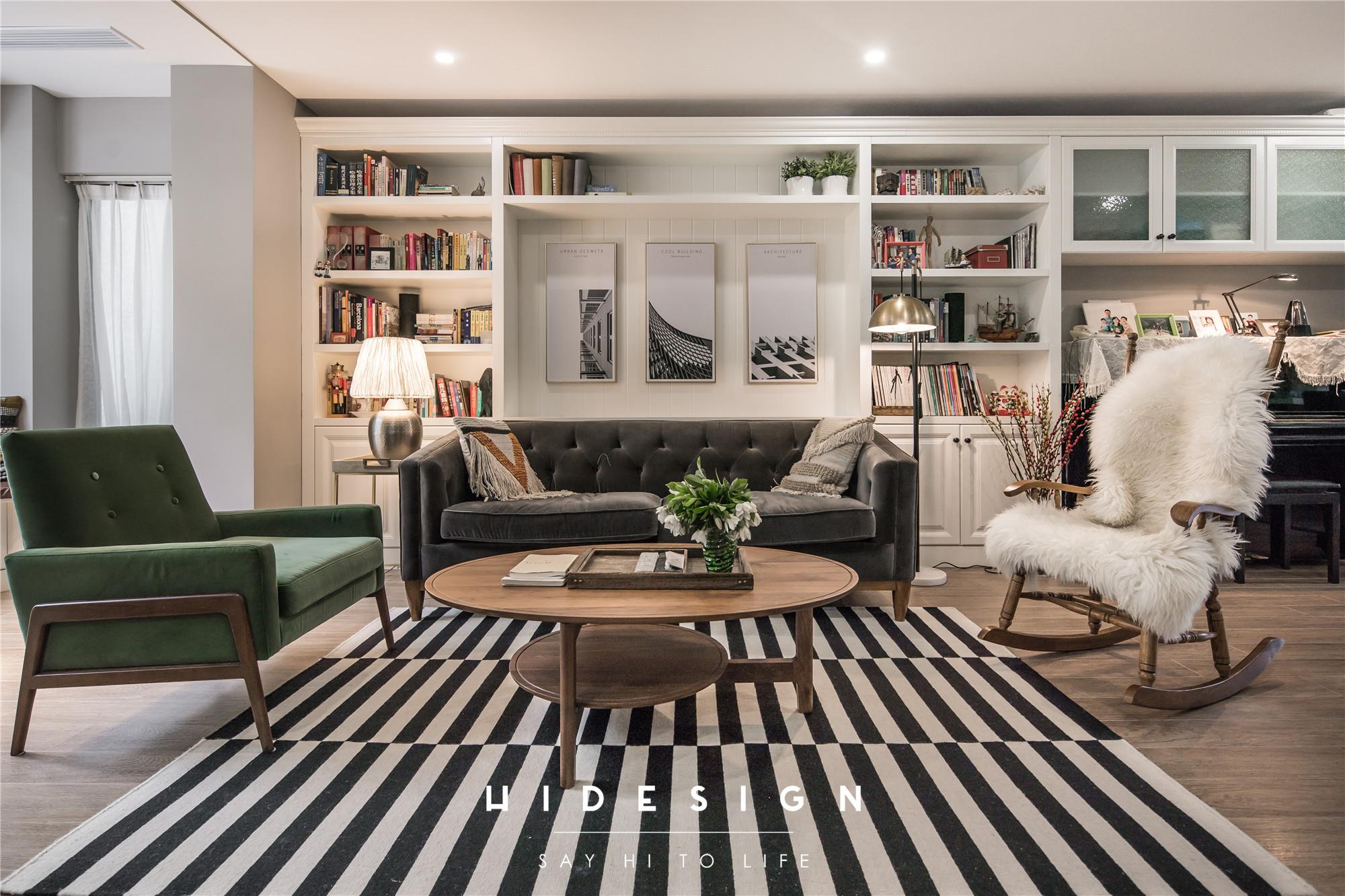 混搭风格别墅客厅沙发墙装修效果图