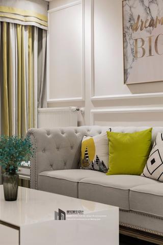 108㎡美式三居装修沙发抱枕特写