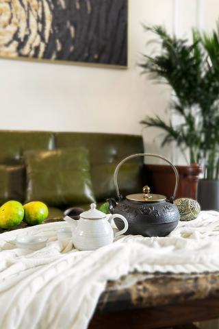 176平米四居室装修茶具特写
