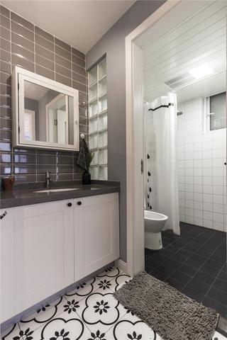 混搭風格兩居室衛生間裝修效果圖