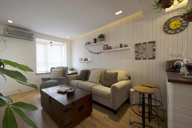 74平米混搭风沙发背景墙装修效果图