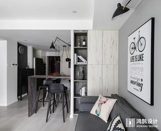 北欧风二居装修收纳展示柜设计