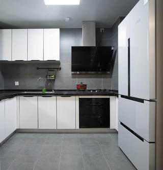 130㎡三居室厨房装修效果图