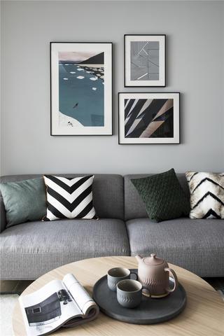 北欧风格四居装修沙发抱枕设计