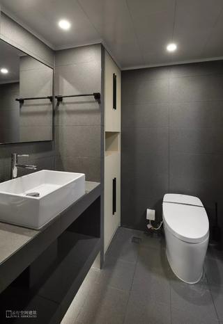 现代风格二居室卫生间装修效果图