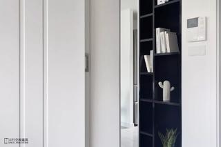 120平现代简约装修展示柜设计