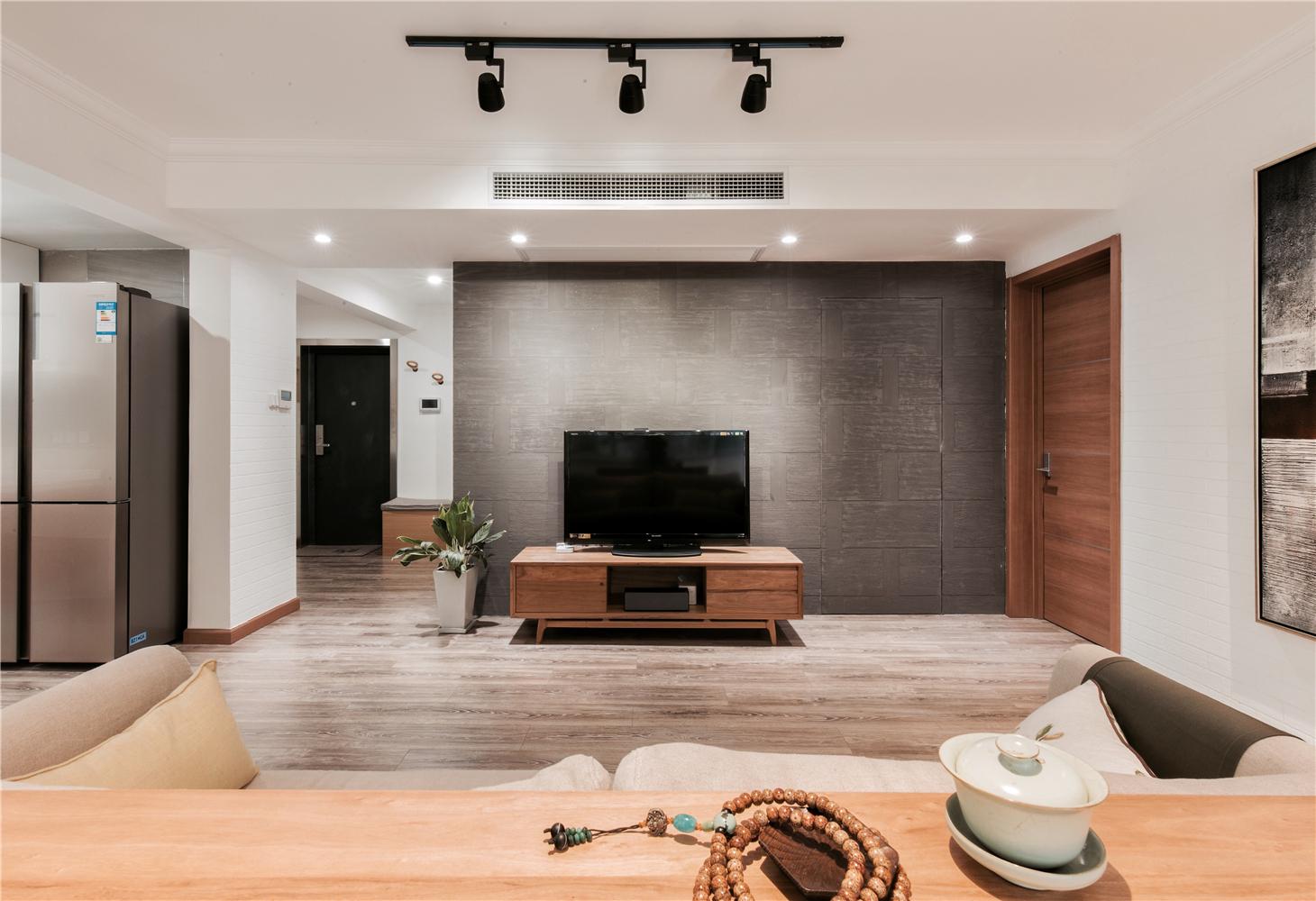 140平现代风客厅电视背景墙装修效果图