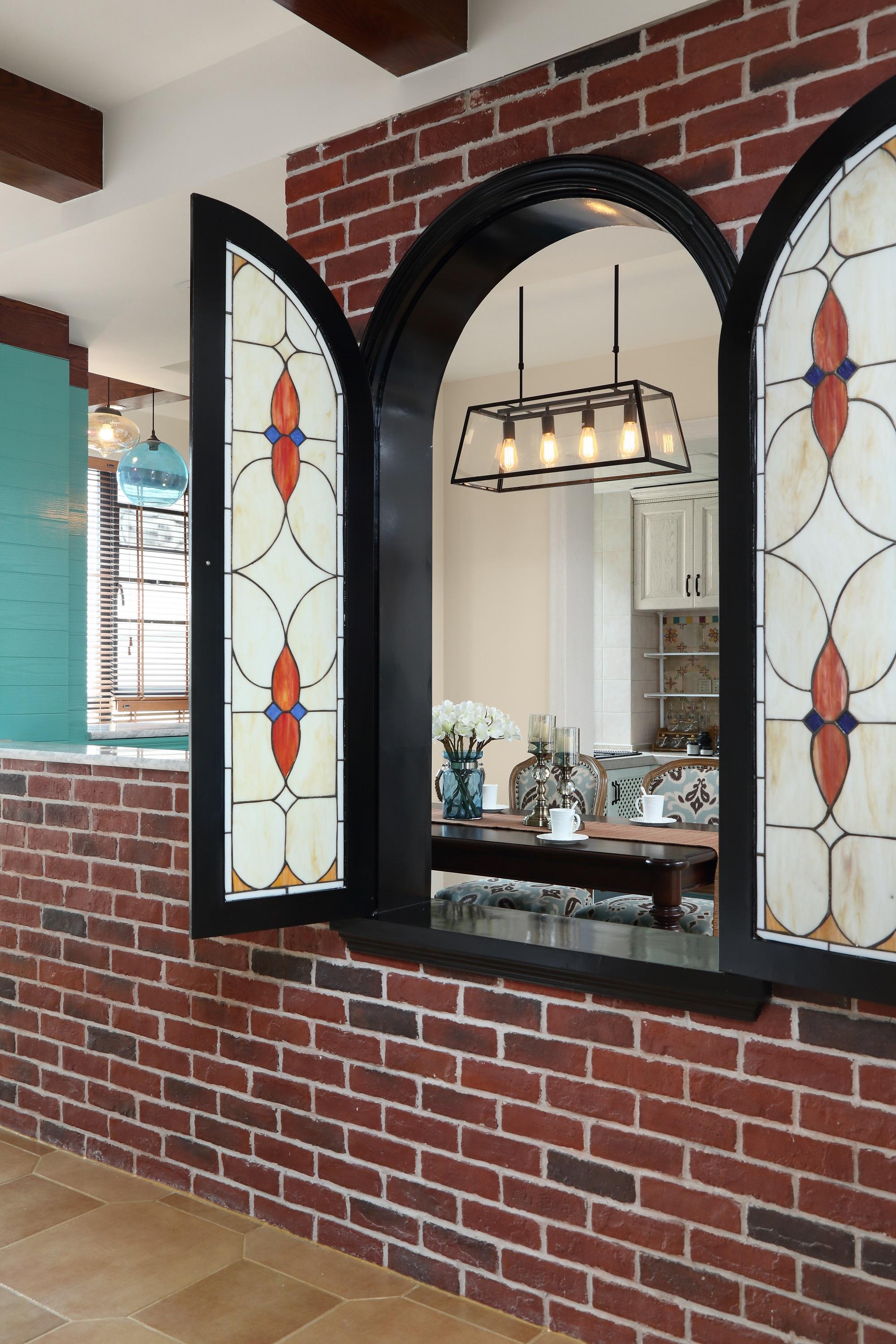 复式美式风格装修弧形窗设计