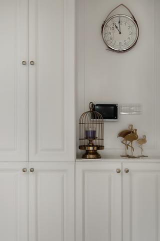 现代美式风格三居装修玄关鞋柜设计