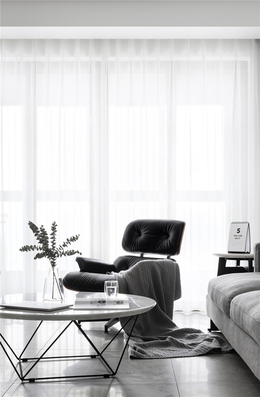 140㎡现代简约风装修茶几躺椅设计