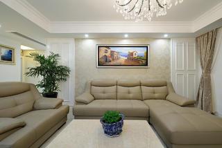 现代简约风三居室沙发背景墙装修效果图