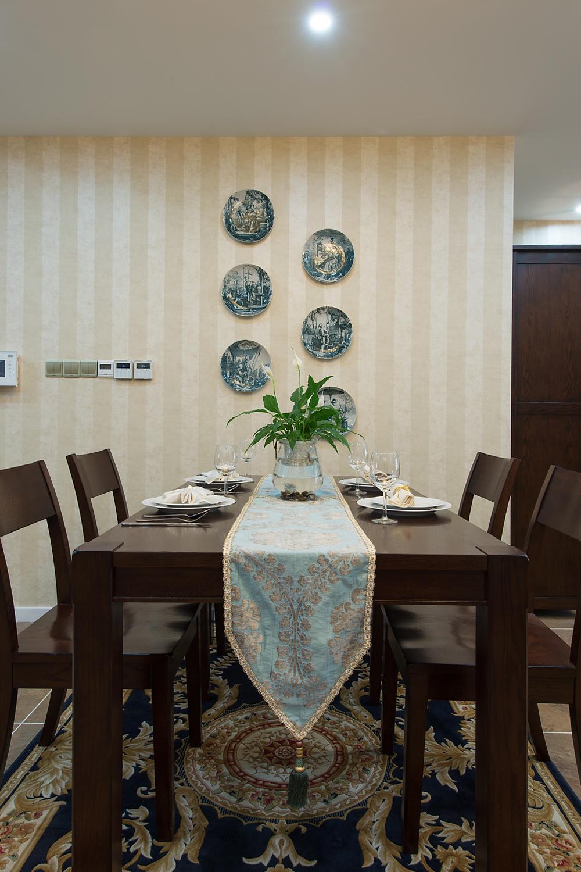 三居室美式风格餐厅背景墙装修效果图