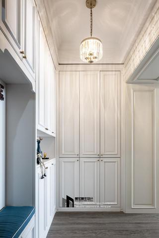 美式三居室玄关装修效果图