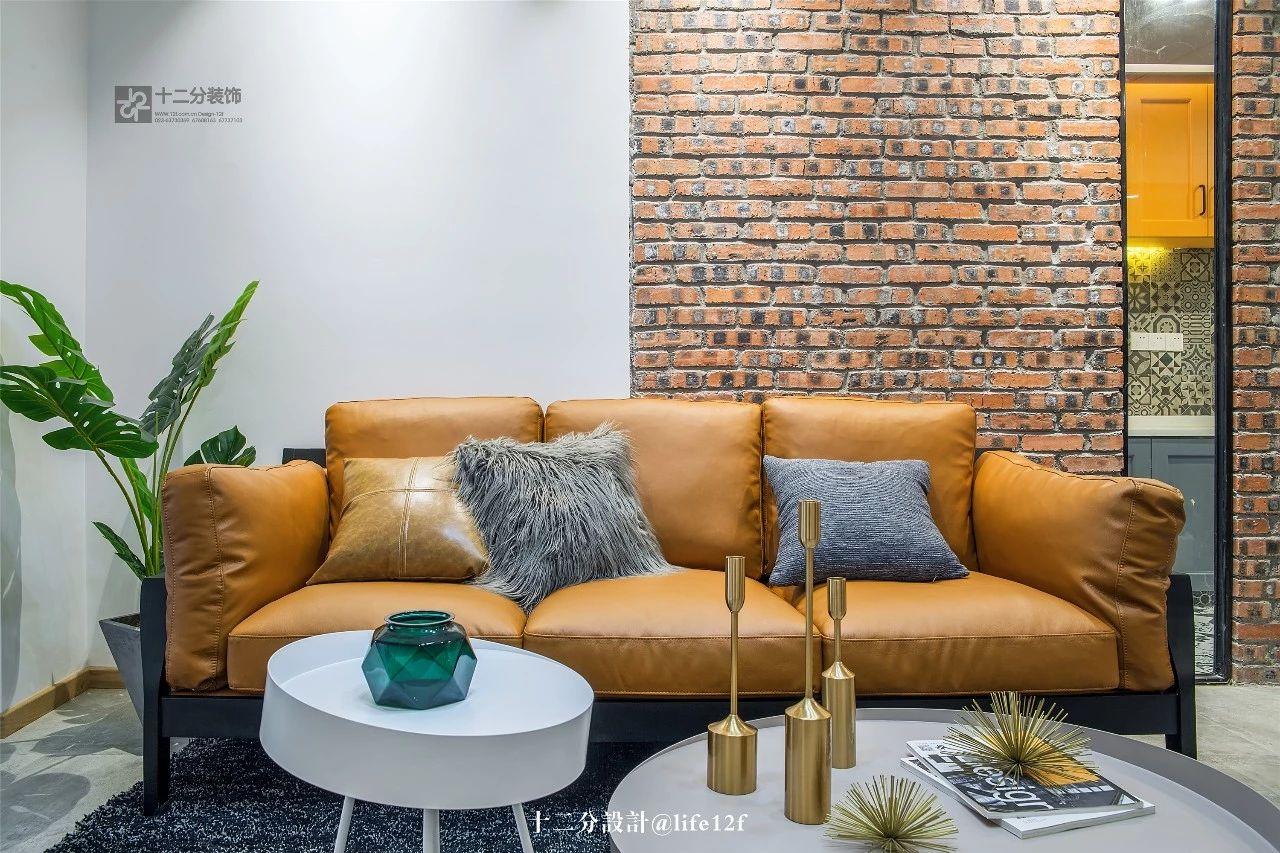 63平混搭风沙发背景墙装修效果图