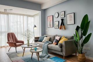 65平北欧风格客厅沙发墙装修效果图