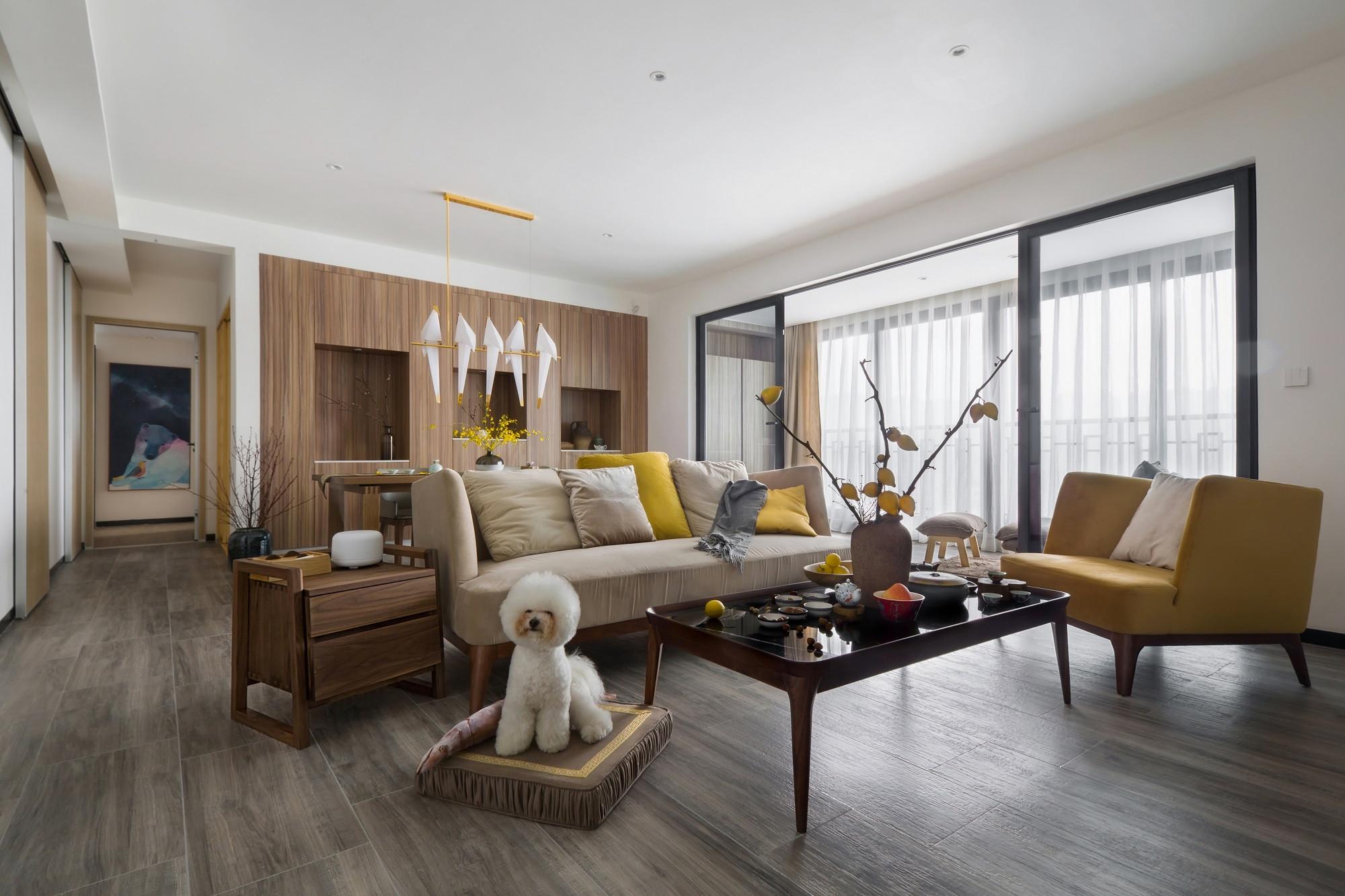 110平米三居室客厅装修效果图