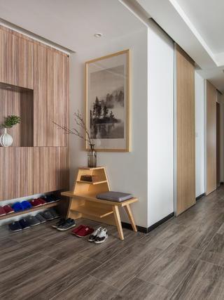 110平米三居室玄关装修效果图