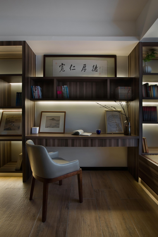 110平米三居室书房装修效果图