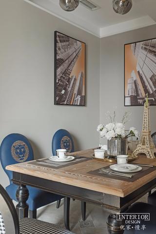 160平混搭三居装修餐桌椅设计