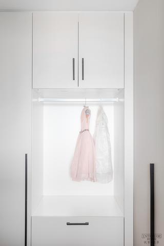 大户型轻奢风格装修衣柜设计