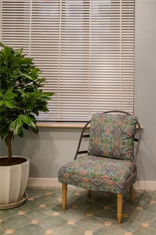 美式混搭三居室装修休闲椅设计