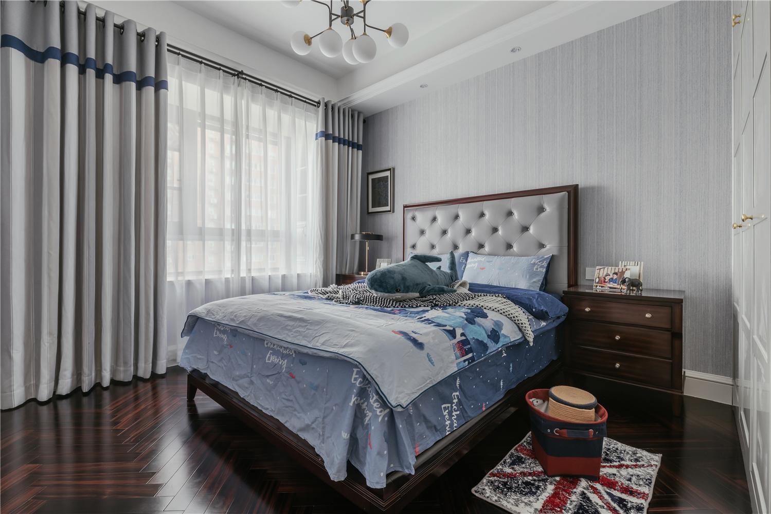140平美式风格卧室装修效果图