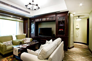 100平美式风格装修客厅过道