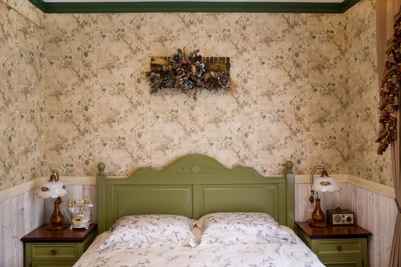 田园公寓装修床头墙壁纸图片