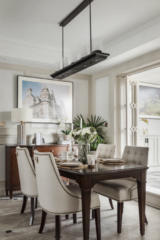 美式复式装修餐桌椅图片