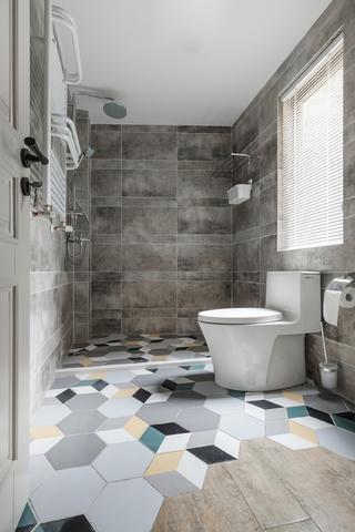 美式复式装修卫生间装潢图