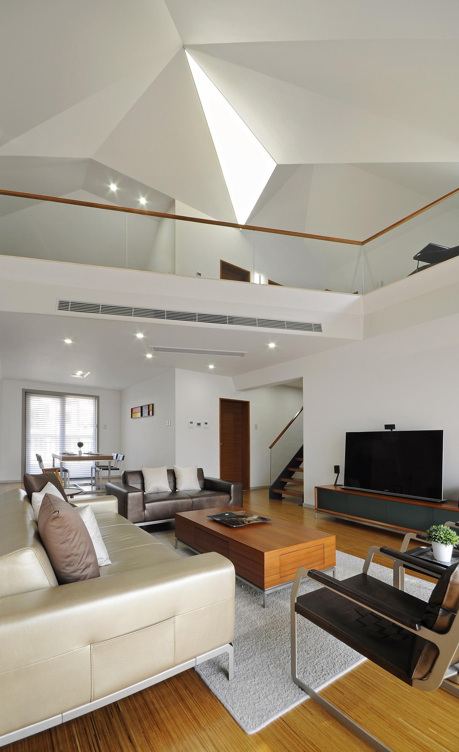 现代简约复式装修客厅背景墙