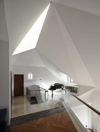 现代简约复式装修 折纸空间