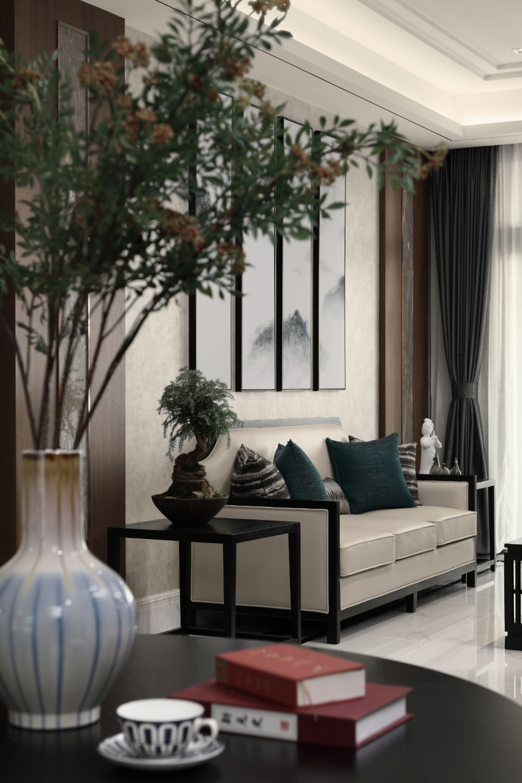 大户型中式装修室内绿植图片