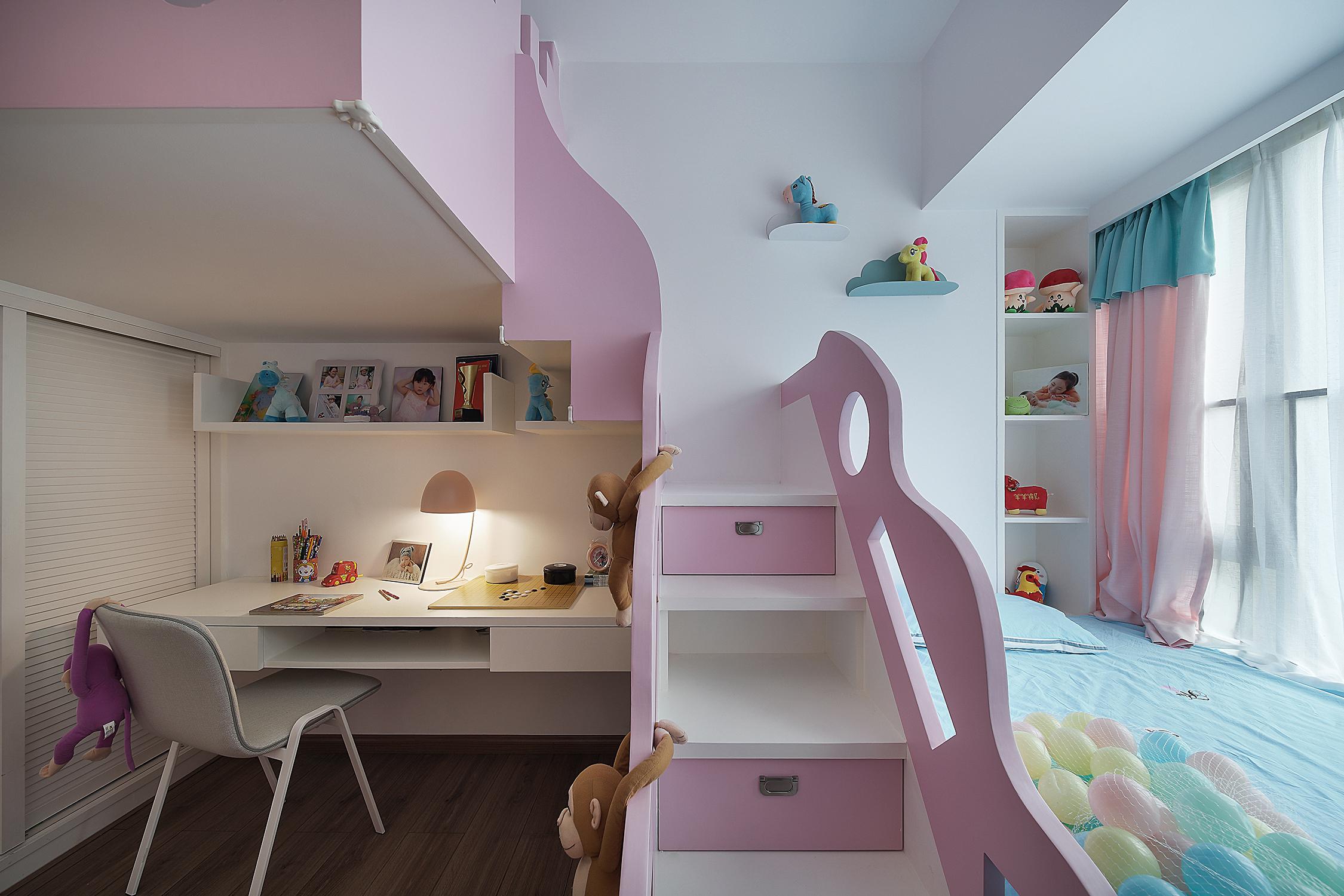 三居室现代风格装修儿童床图片
