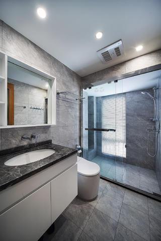 三居室现代风格装修卫生间设计图