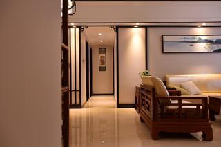 130平新中式设计客厅过道