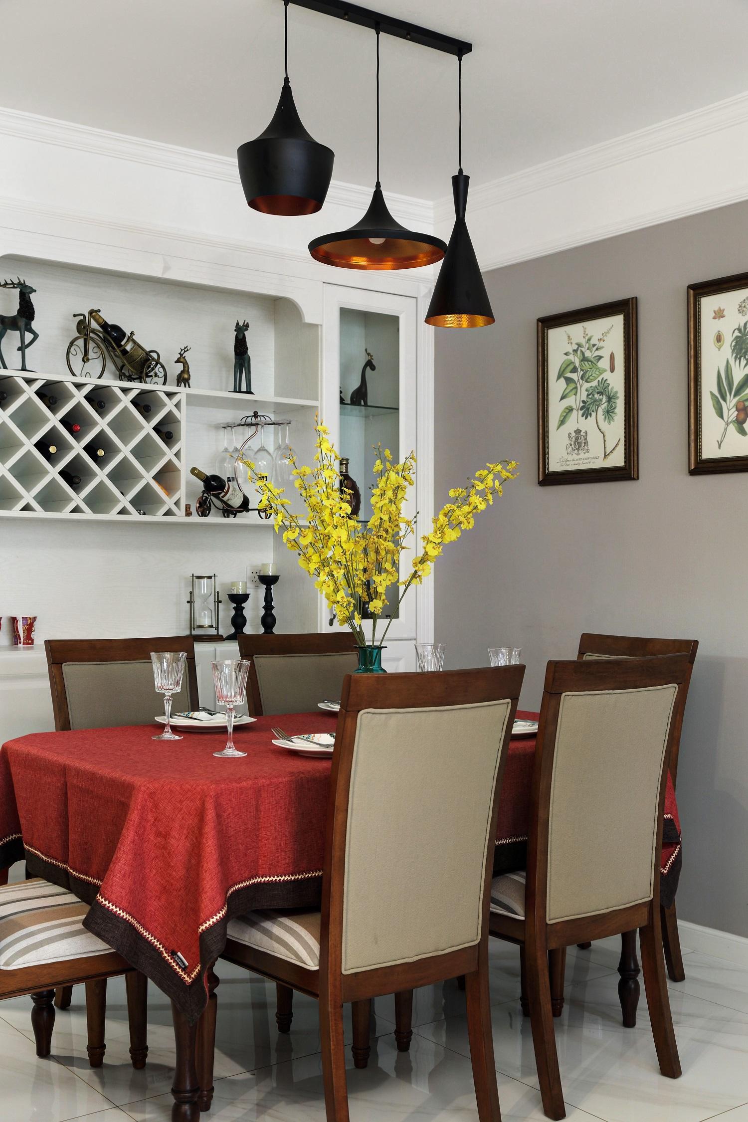 100㎡美式之家餐桌布置图