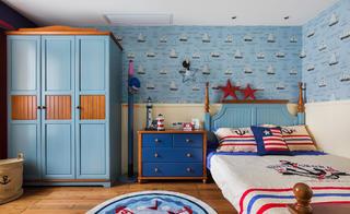 三居室简约美式设计衣柜图片